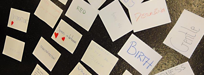Ryhmässä taideprosessin myötä syntyneitä vaihtoehtoisia keskusteluteemoja