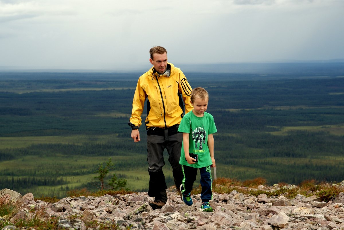 Mikko ja Valtteri Ukko-Luostolla.