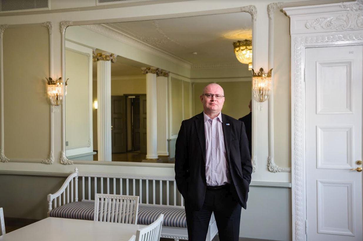 Oikeus- ja työministeri Jari Lindström